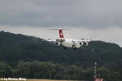 Swiss Avro RJ100 LDG LSZH RWY14