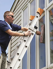 Window cleaning in Woodleaf.