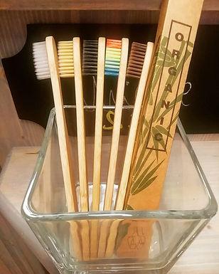 Spazzolino da denti 100% naturale in Bamboo