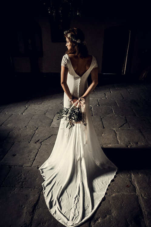Elasa Silk Based Wedding Dress I Boho Chic Alternative Europe