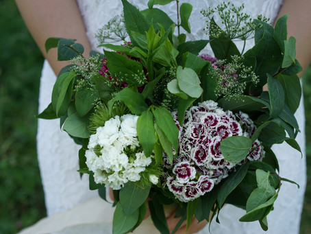 How To Make Your Own DIY Hand Tied Wedding Bouquet for 3€