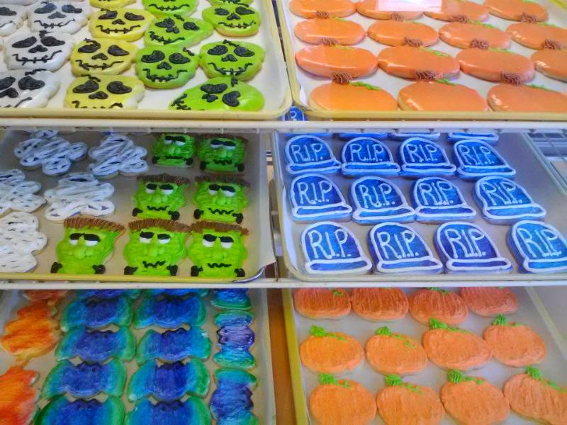Halloween cookie case
