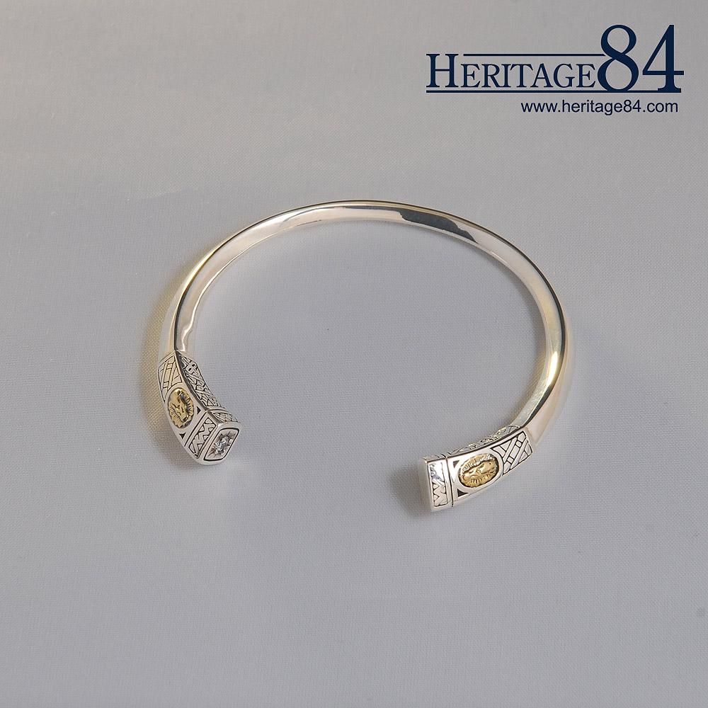 Cuff bracelet for woman