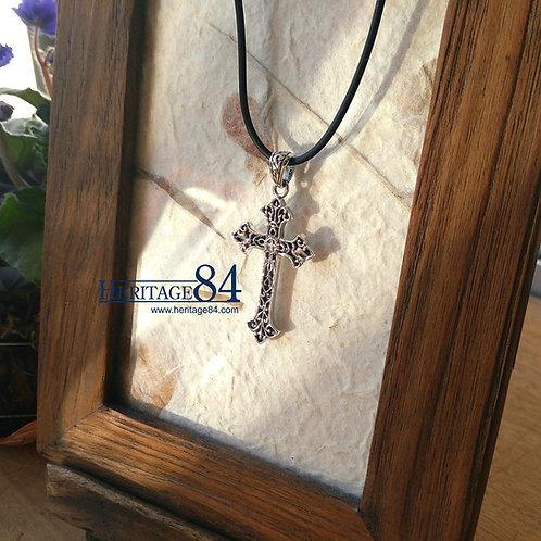 Vintage/retro looking, medieval style silver cross pendant