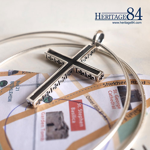 Mens Cross necklace in Silver