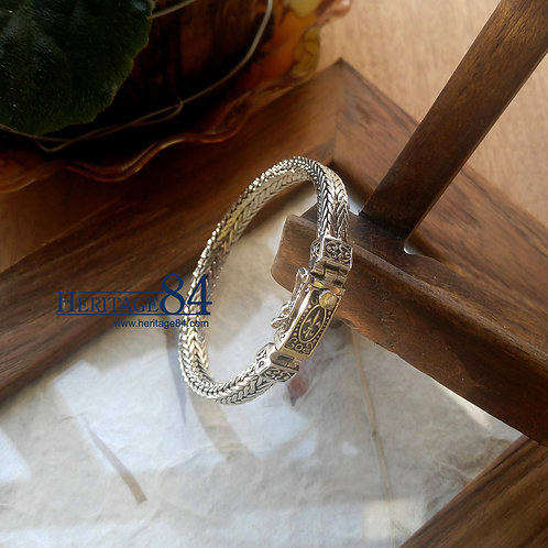 Classic medieval looking bracelet in high sterling silver, heavy foxtail chain bracelet
