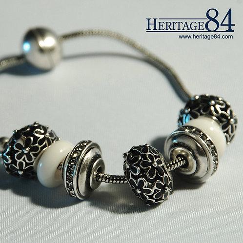Wonderland - Fashion Charm Bracelet for woman