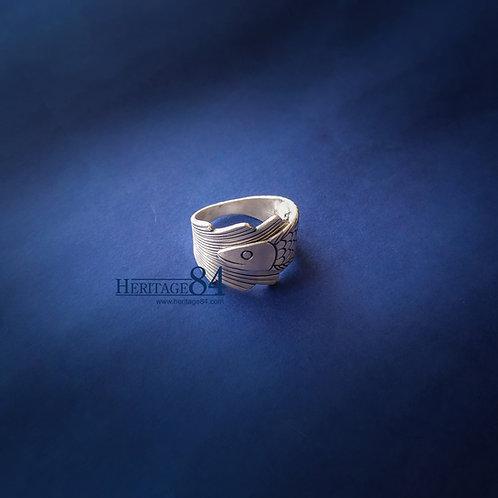 Thai handmade silver ring | Wrap around long finger ring - River Fish
