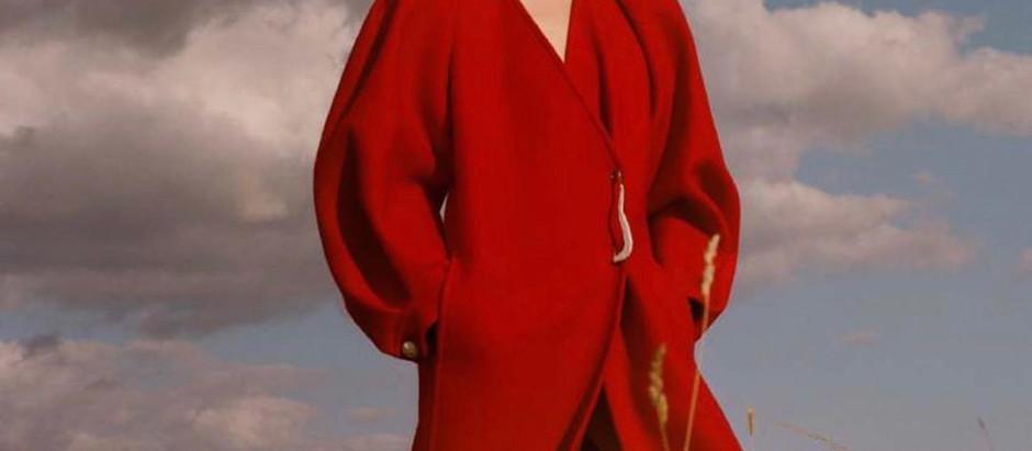 """MODEL PERSPECTIVE Demy De Vries Is """"Vermillion Miles From Home"""" For Harper's Bazaar UK October 2020"""