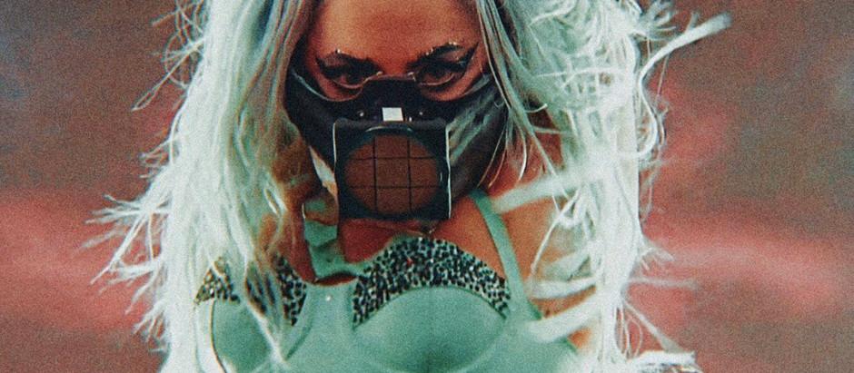 INDUSTRY INSPO Ariana Grande and Lady Gaga Turn Mask-Wearing Into A Whole Vibe At VMAs