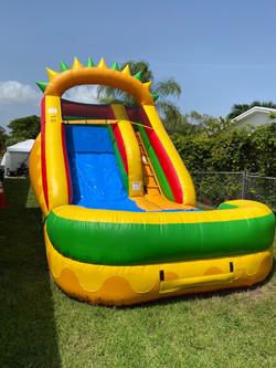 Yellow water slide 13x23 $230