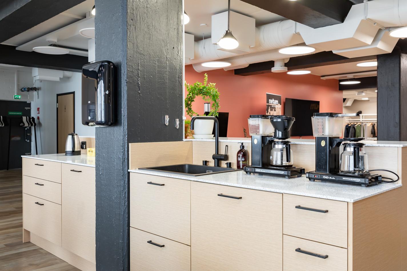 Toimiston sisustussuunnittelu - Kahvio