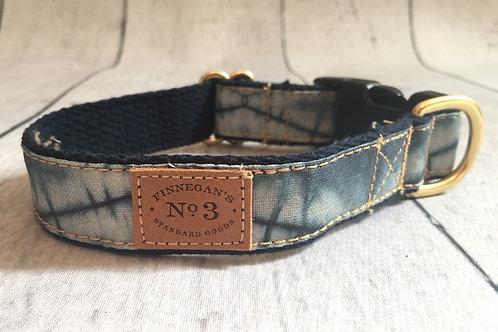 Faded Triangle Collar