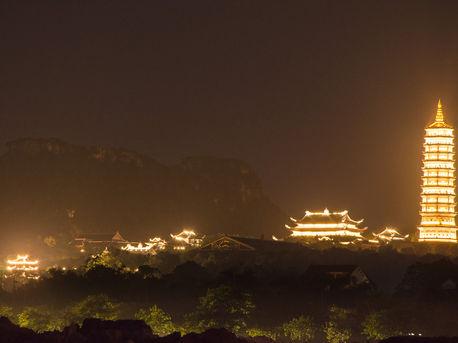 Bai Dinh complex at night