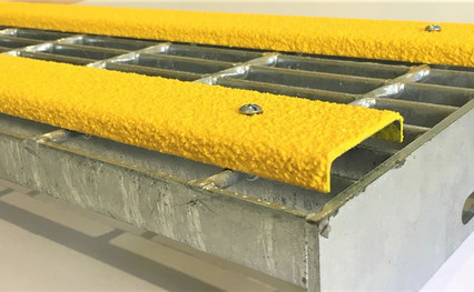 galvanised-grating-tread-with-yellow-con