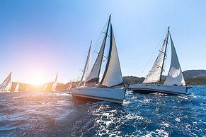 Luxus-Yachten Segeln