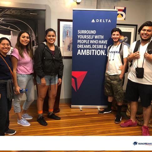Estudiantes Mexicanos viven la experiencia del National Flight Academy 2018