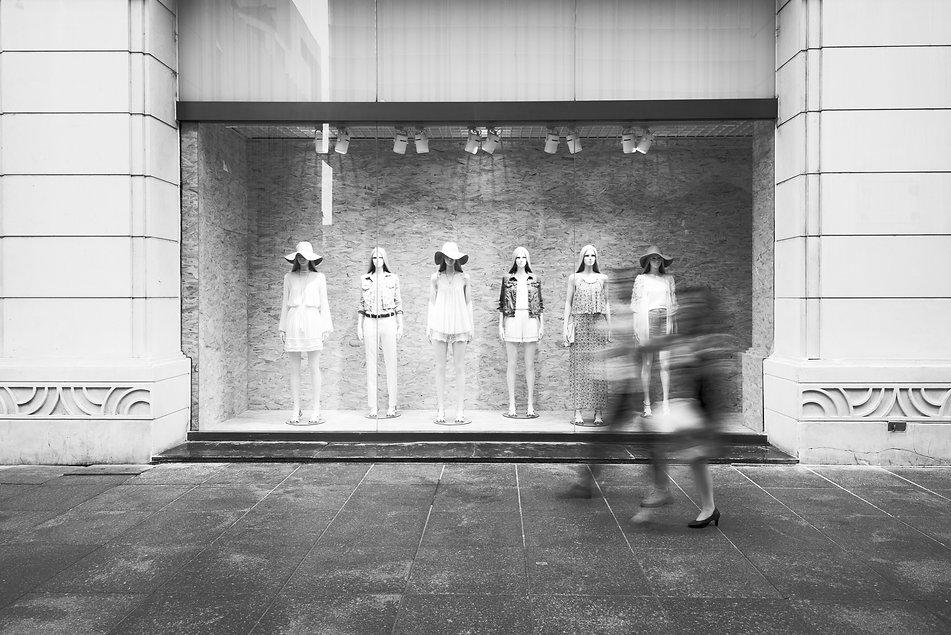 Fashion%20Store%20Window%20Display_edite
