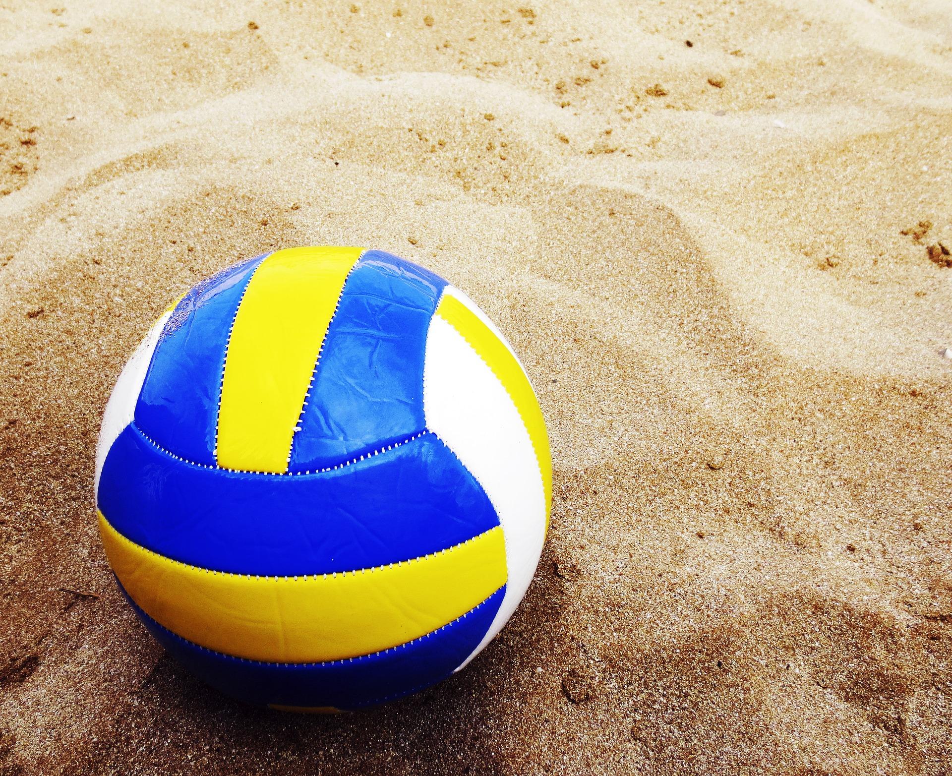 beach-volleyball-1617093_1920