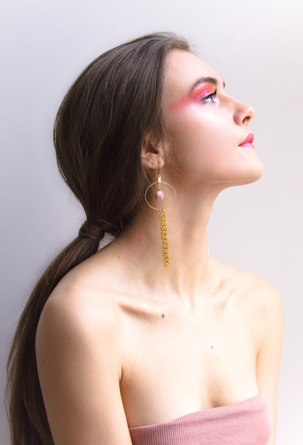I created this portrait series from concept to final piece to showcase the accessories brand Cotton Crowd's Spring/Summer 2018 collection. This included designing and hand-making of the jewellery collection, idea generation for editorials, photography, styling, and editing the final pieces.   Model: Hannah Downey
