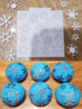Katy Sue Snowflake Mould & Cupcakes.jpg