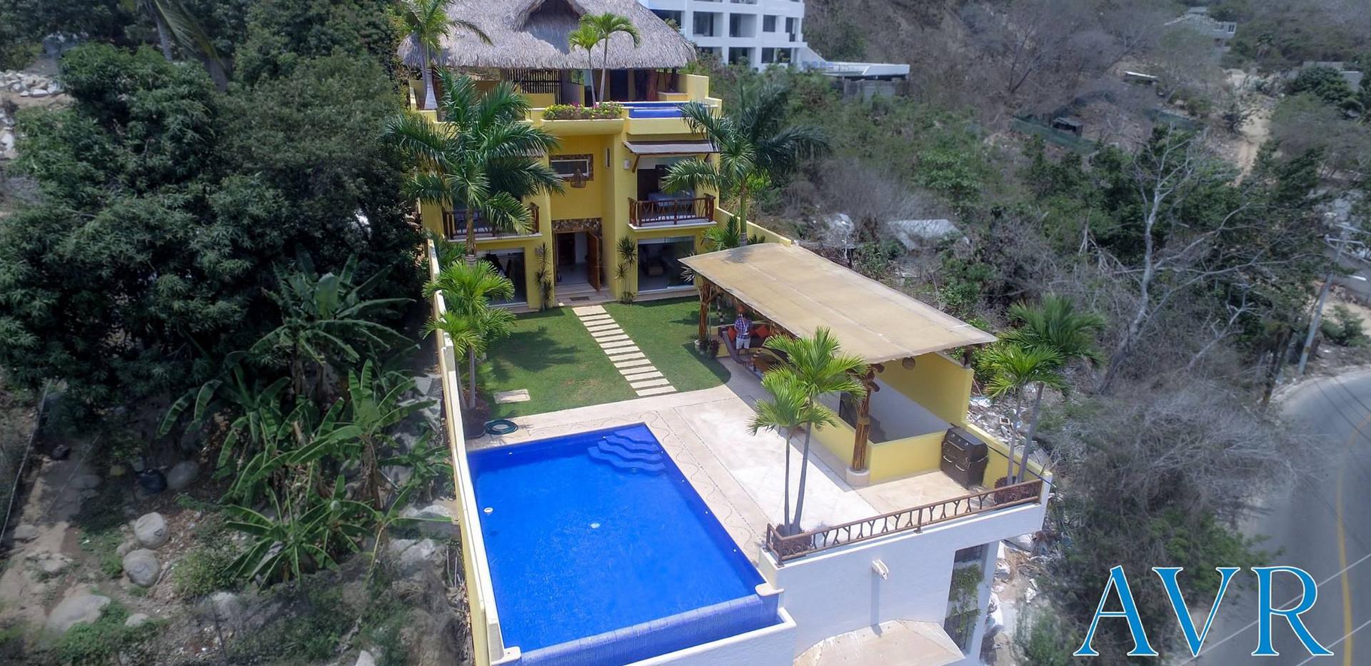 Casa Amarella / Brisas Guitarron / Renta de casa en Acapulco