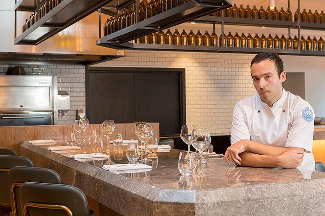 Crowne Plaza Executive Chef 'Dean Crews' launches modern European Restaurant Bar and Grill i