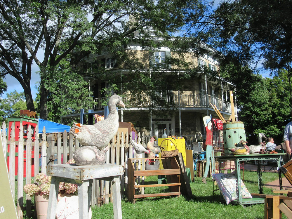 Octagon House Museum during an antique sale