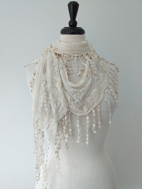 Heart flowers lace scarf