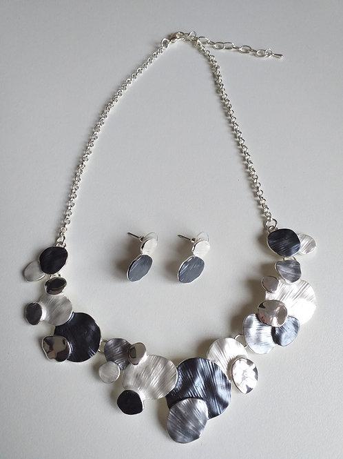 Clara Greys Necklace Set