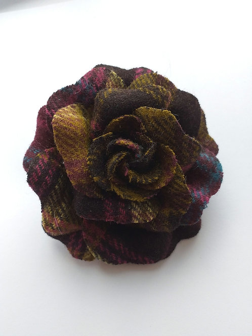 Ness bonny tweed floral brooch Green