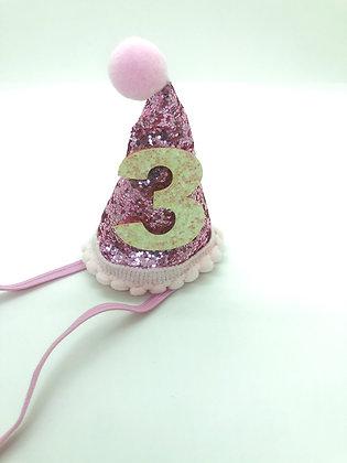 כובע ורוד נוצץ - יום הולדת שלוש