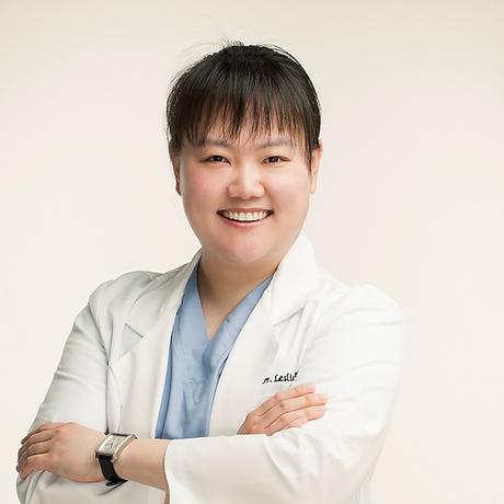 Female Chiropractor in Tysons