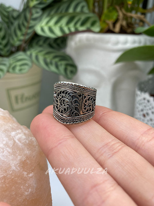 Floral Ethnic Ring / Silver coloured ring