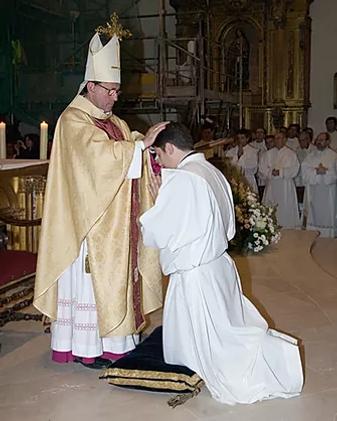 don jesus orden sacerdotal.webp