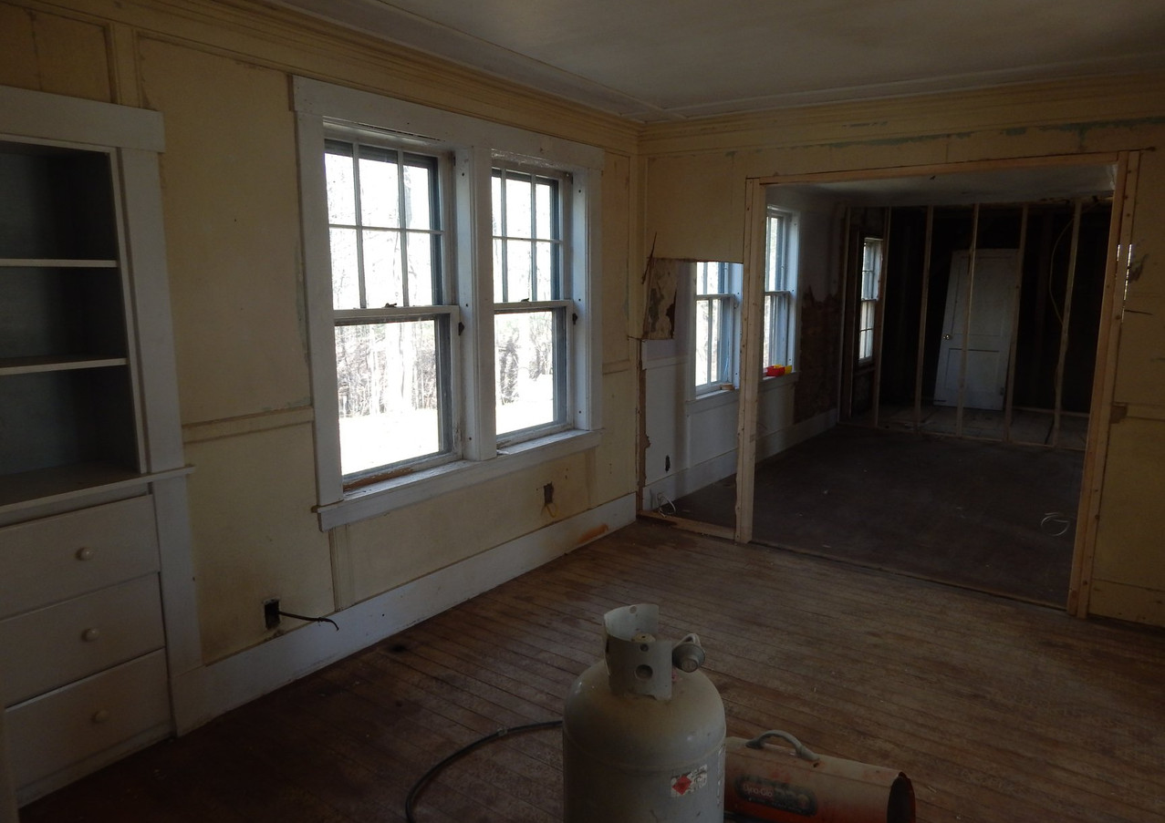 dining room before...