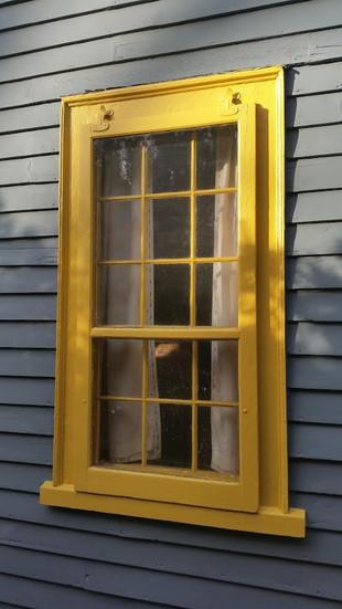 yellow window trim