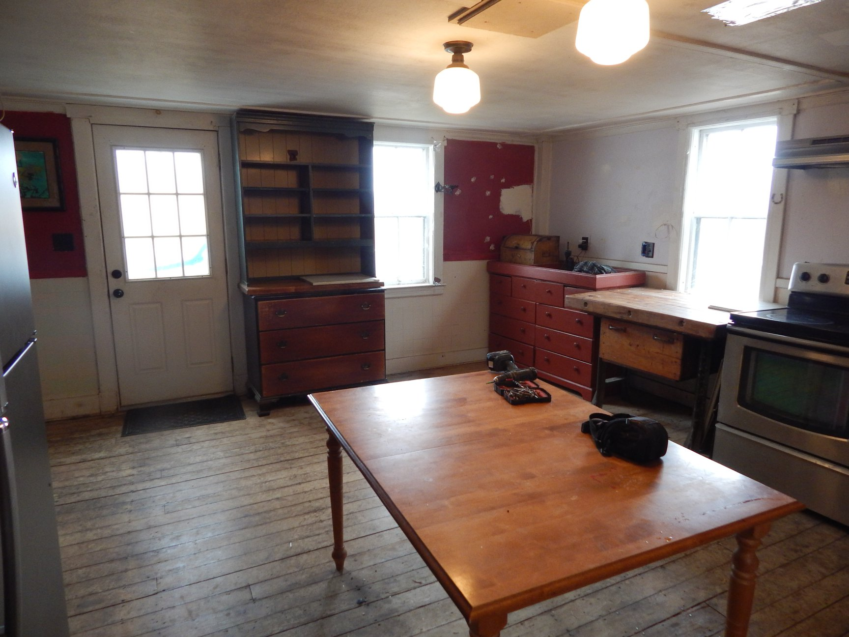kitchen pre-reno