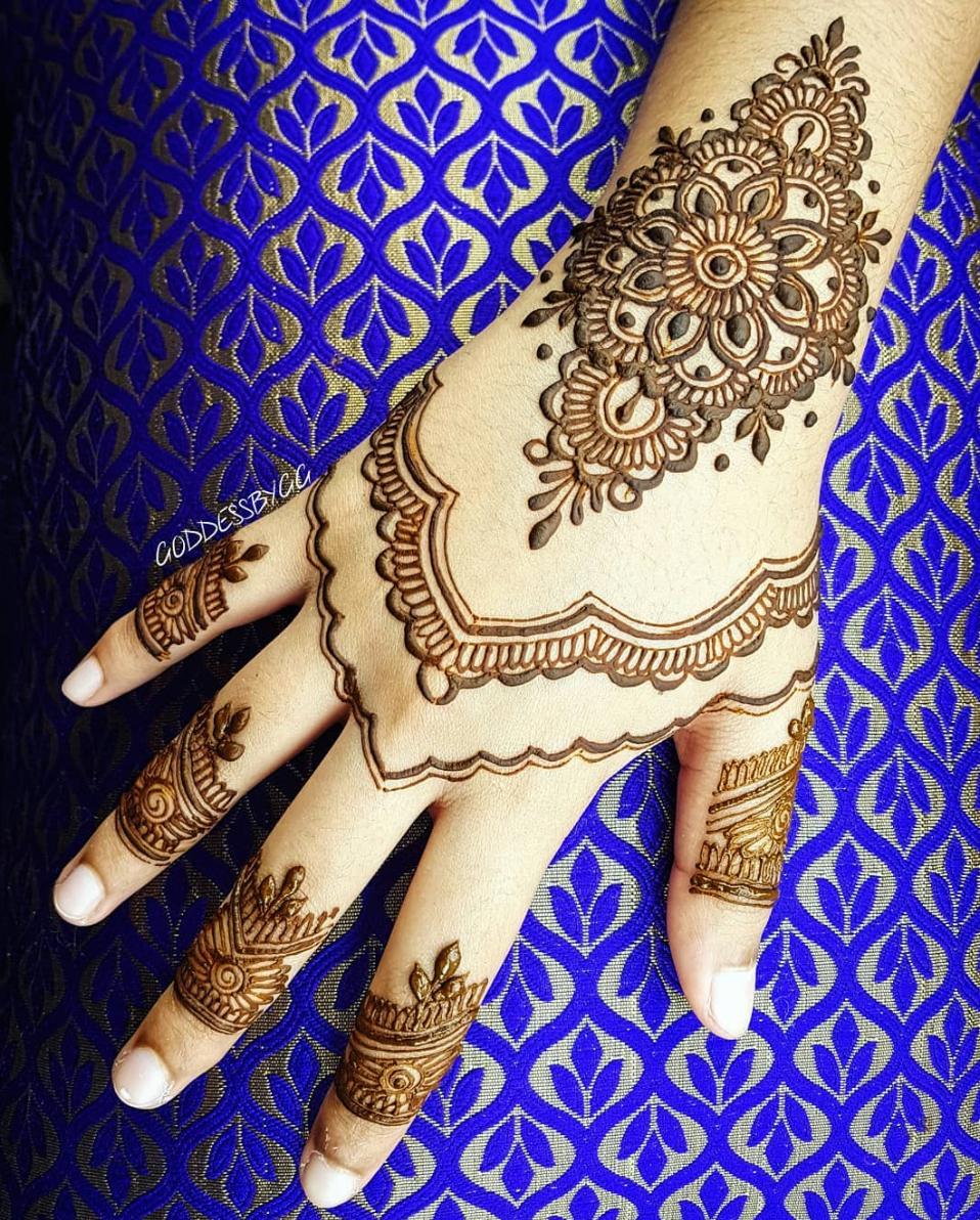 Semi Intricate EID Henna