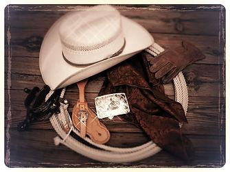 chapeau Western,éperons,lasso,foulard en soie,gants en cuir,boucle de ceinture Western,    bijoux