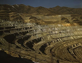 Open pit contours at Utah gold mine site