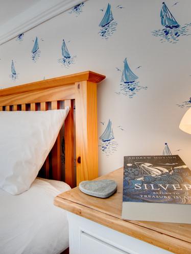 Farley Cottage - twin bedroom (2).jpg