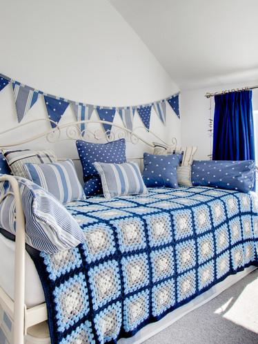 Farley Cottage - twin bedroom (3).jpg