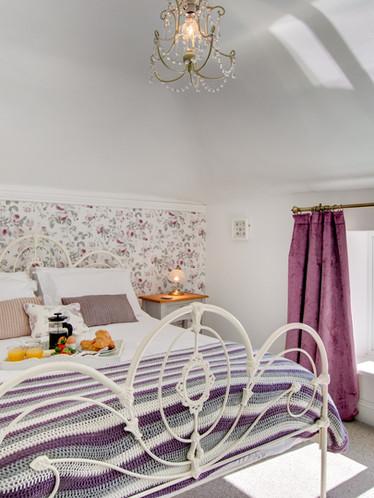 Farley Cottage - master bedroom (1).jpg
