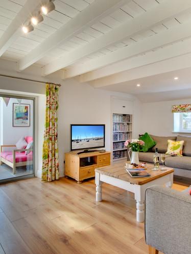 Farley Cottage - lounge (1).jpg