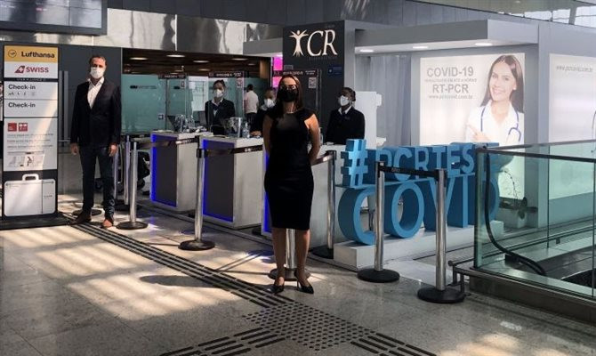 Os passageiros também podem apresentar um teste PCR nefativo feito em até 48 horas antes do embarque