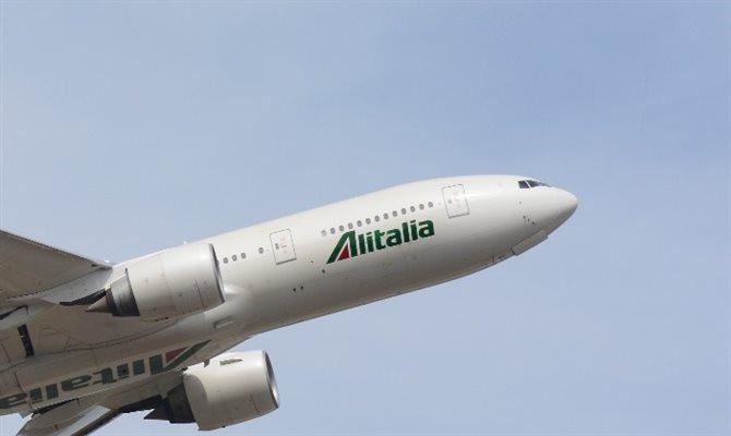 alitalia,boeing 777