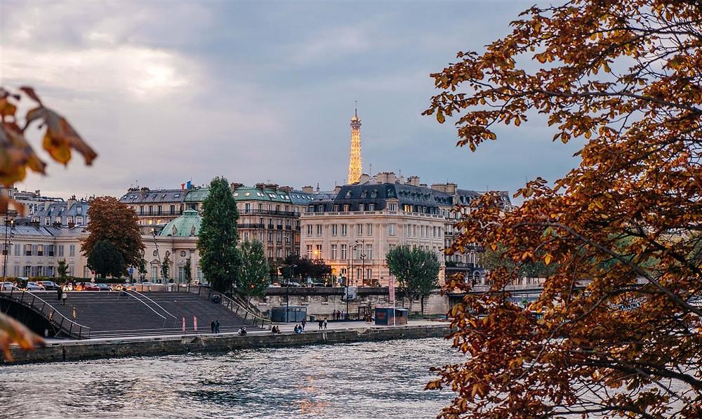 O governo francês aplicará multas para quem desrespeitar as novas restrições