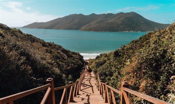 A praia se destaca como o destino mais procurado pelos brasileiros