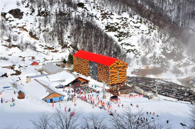 Nevados de Chillán foi eleito o melhor resort de esqui chileno